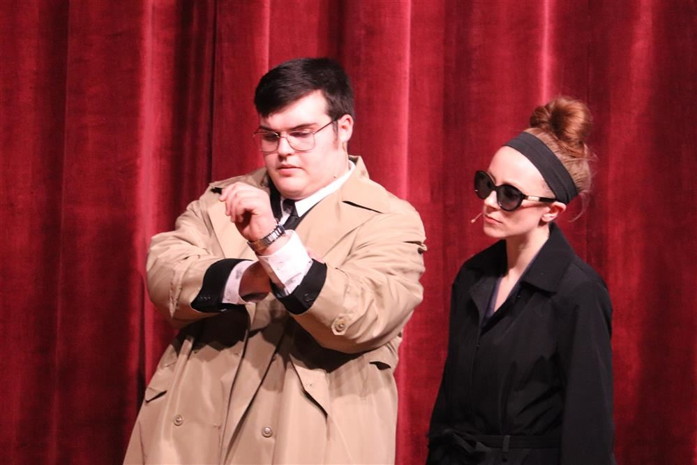 "Matthew Pollic and Holly McCarty playing Maxwell Smart and Agent 99 in PACS recent showing of ""Get"